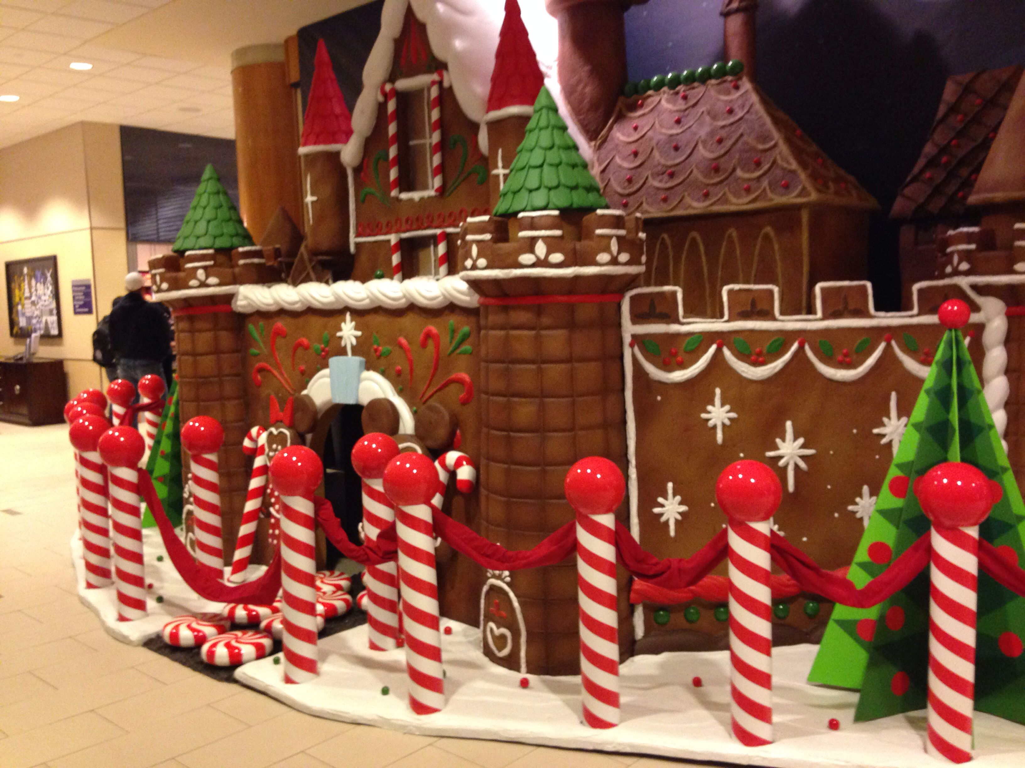 Life Size Gingerbread House In The Lobby Of The Disneyland Hotel Office Christmas Decorations Christmas Door Decorations Christmas Decorations
