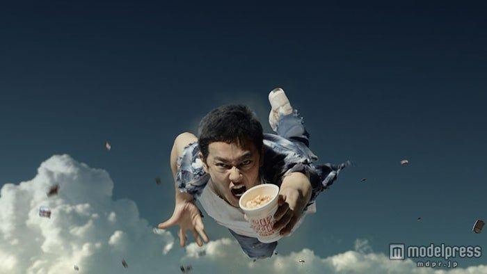 Photo of (画像1/18) 佐藤健、衝撃の女装ビジュアル披露 戦隊ヒーロー・馬・惑星など17変化も