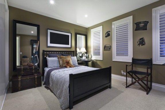 Schlafzimmer Accessoires ~ Im schlafzimmer werden koffer zum nachttisch suitcase furniture
