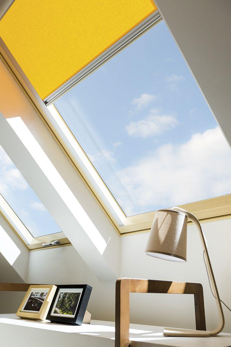 Dahove Vikno Fakro Zhovtij V Inter Yeri Roboche Misce In 2020 Roof Window Windows Energy Efficient Construction