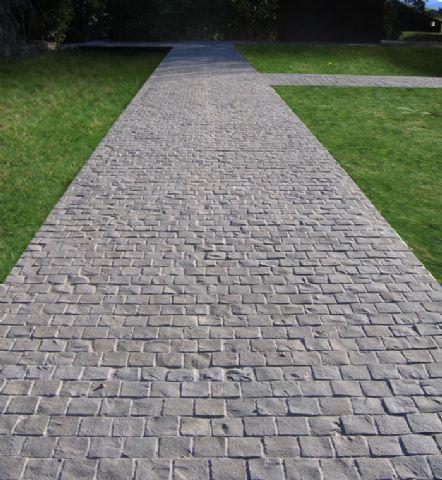 cobblestone driveway pavers cobblestone driveway
