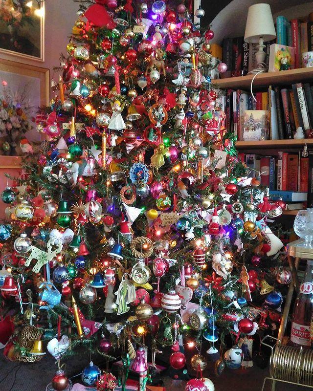 Love These Tree Decs Xmas Tree Beautiful Christmas Trees Christmas Tree
