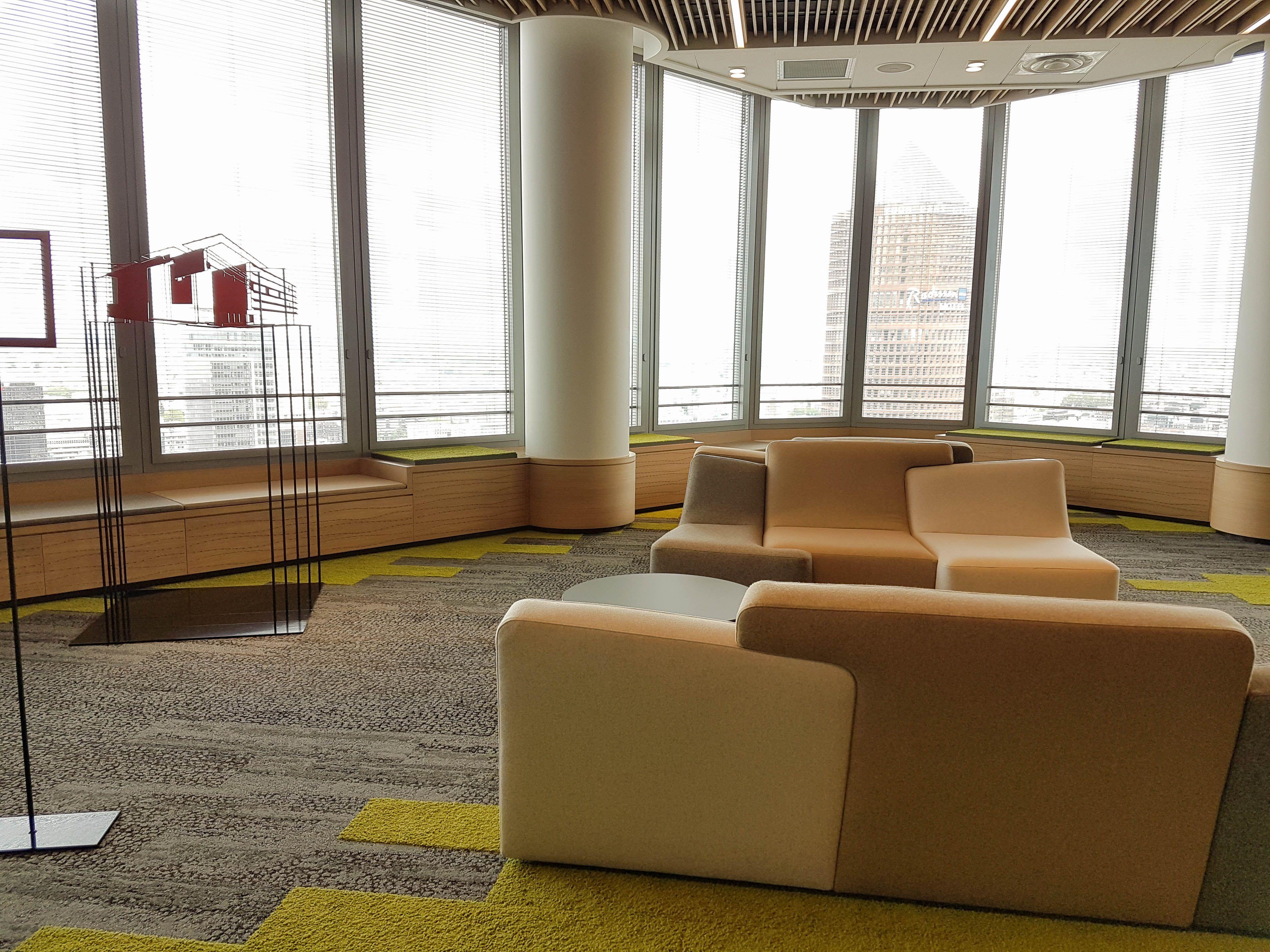 Habillages du 26ème étage de la Tour Incity (Lyon) - Une réalisation Saga Agencement (Groupe HASAP)