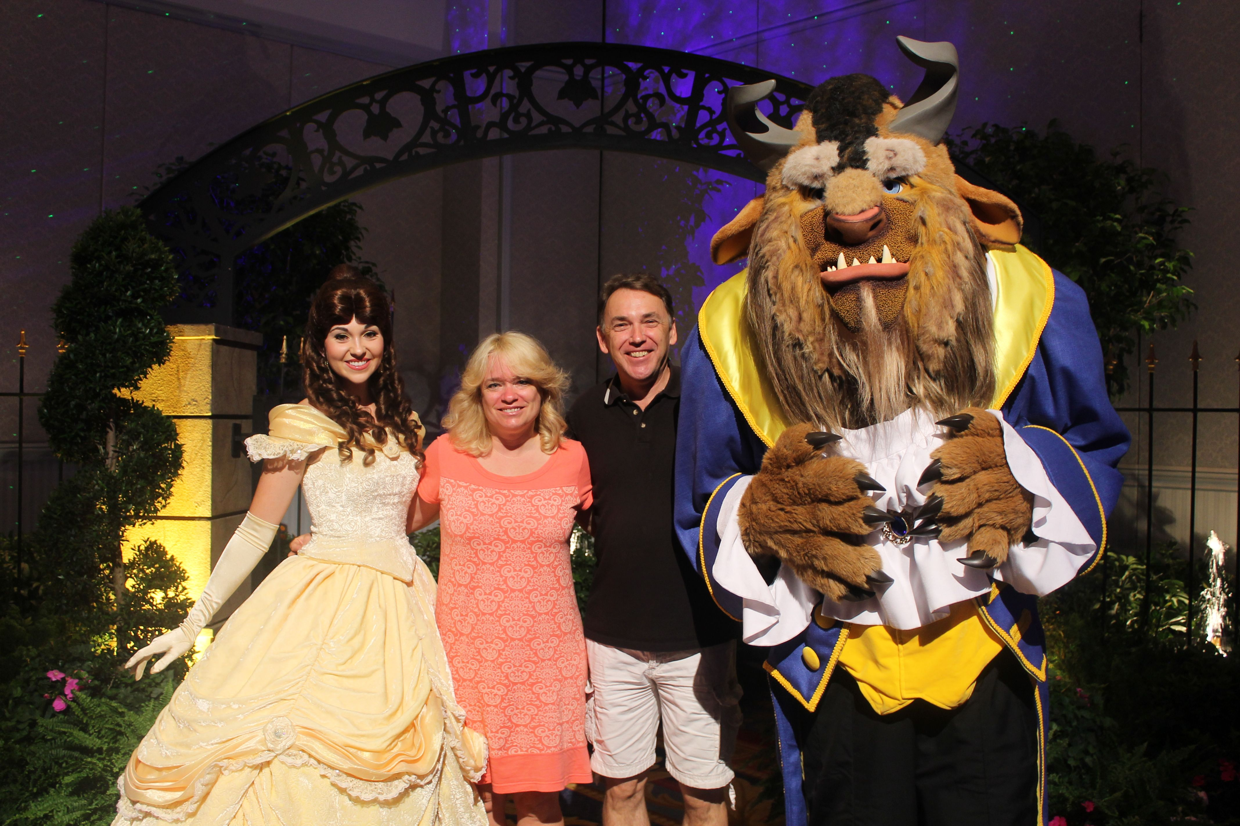 BEAUTY AND THE bEAST CHARACTER GREET