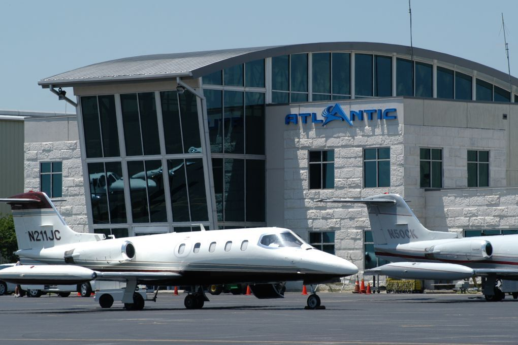 Atlantic Aviation Teterboro Airport New Jersey, Limo and