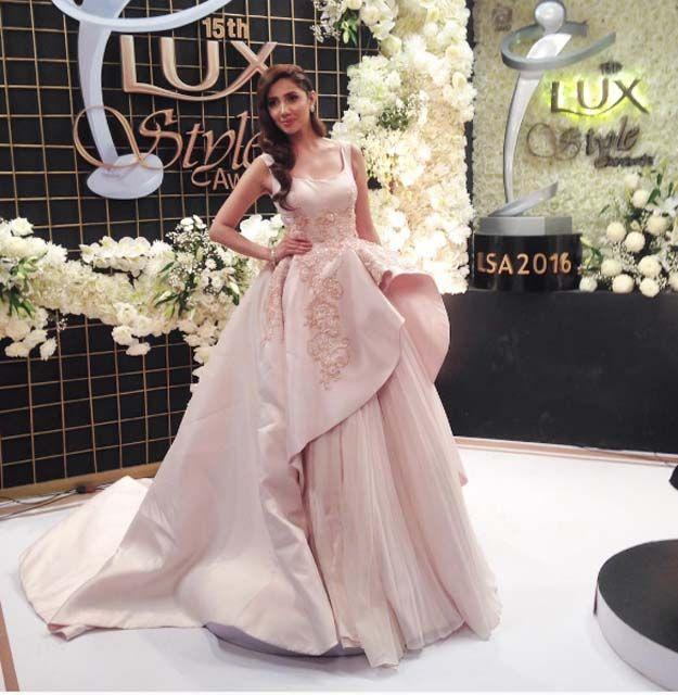 Mahira Khan Lux Style Awards 2016   Mahira KHAN   Mahira khan