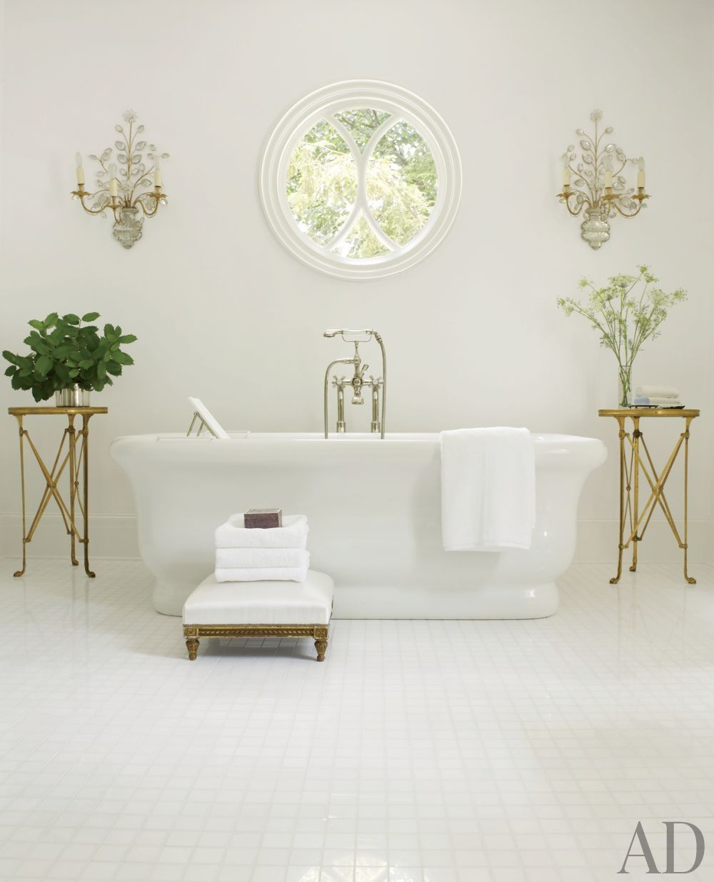 Traditional Contemporary Bathrooms Ltd: Traditional Bathroom By Suzanne Kasler Interiors And