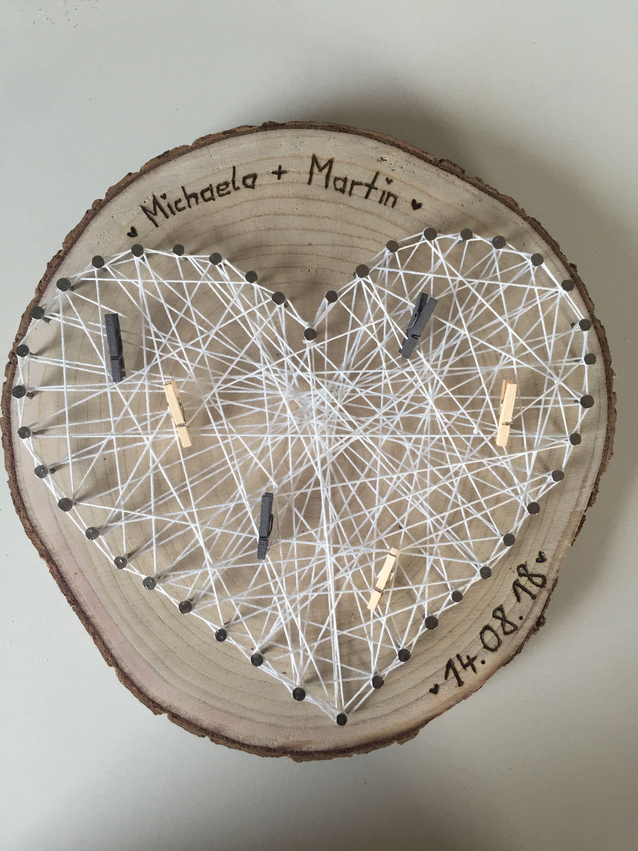 Geschenk zur Hochzeit, Baumschreibe, Nagel Herz, weißer Faden mit den kleinen Klammern soll dann gefaltetes Geld befestigt werden. #lustigegeschenke