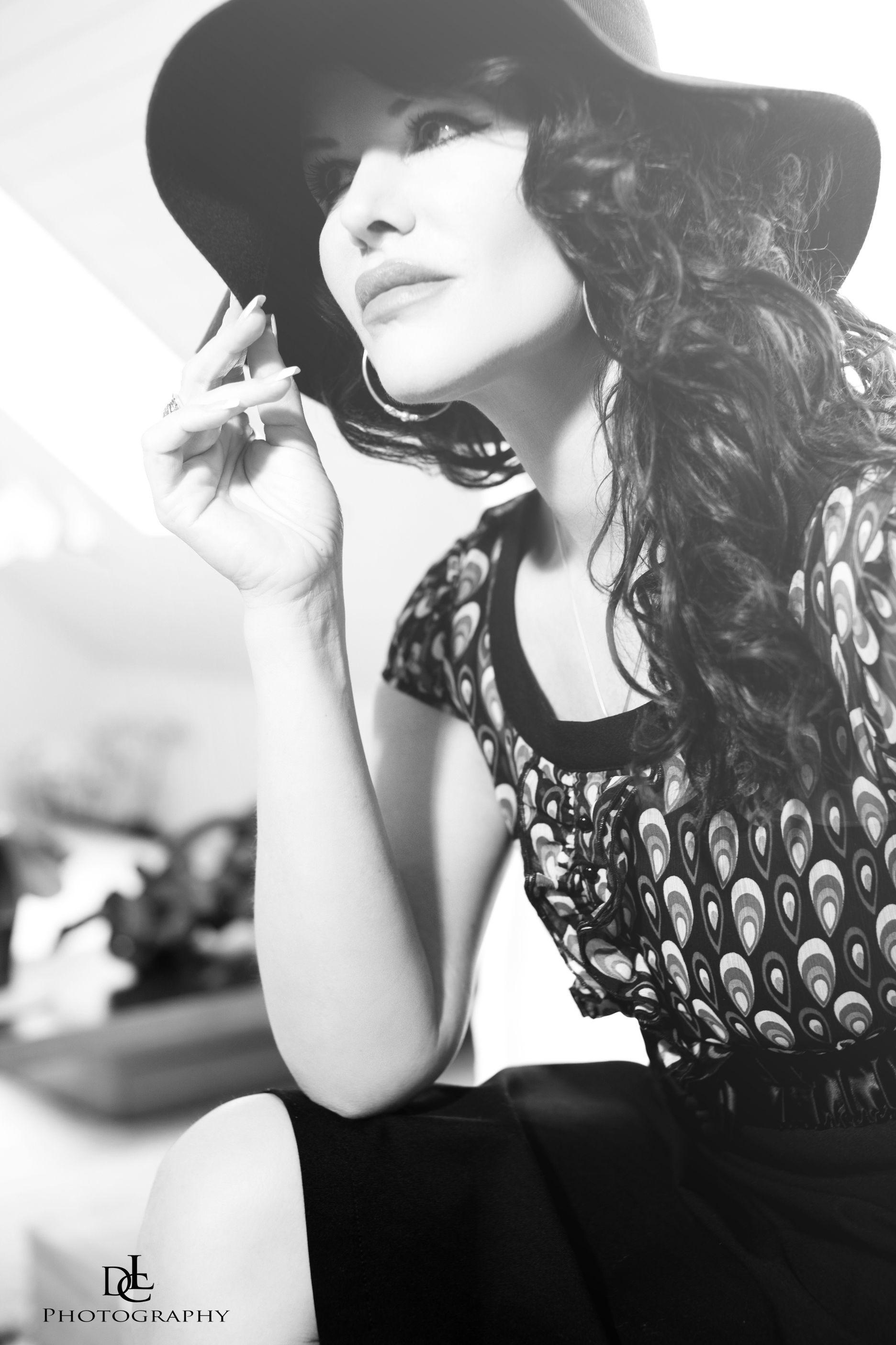 Portrait Bestager Blackandwihte Hut Shooting Fashion Jacqueline