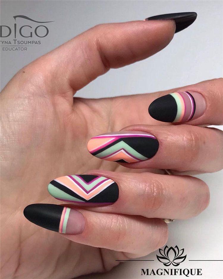 Über 100 elegante schwarze Nägel – Designideen, außergewöhnlicher Look 2019