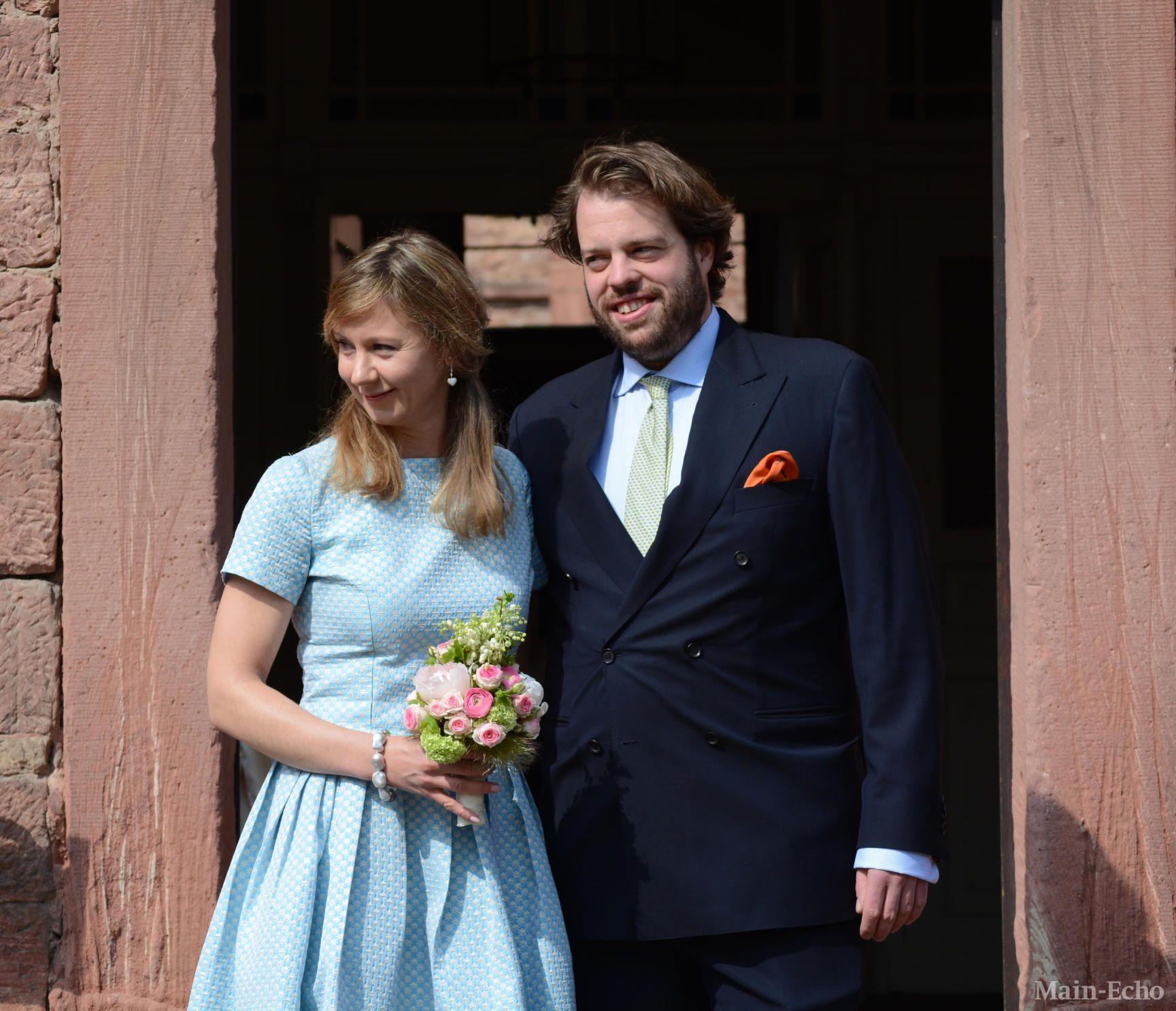 Mariage Civil A Amorbach Du Prince Ferdinand De Leiningen Fils Aine Du Prince Andreas De Leiningen Chef De La Famil Royale Hochzeiten Hochzeit Viktoria Luise