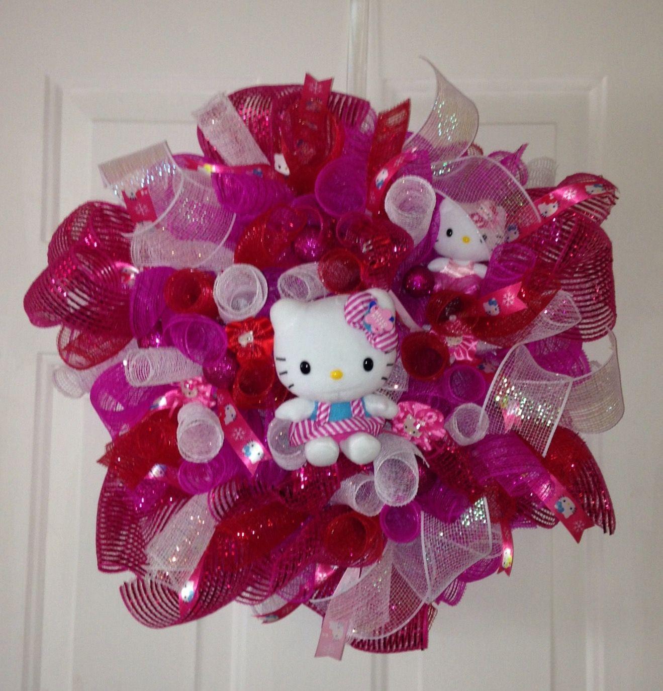 Hello Kitty Wreath Decorative mesh wreaths, Diy deco