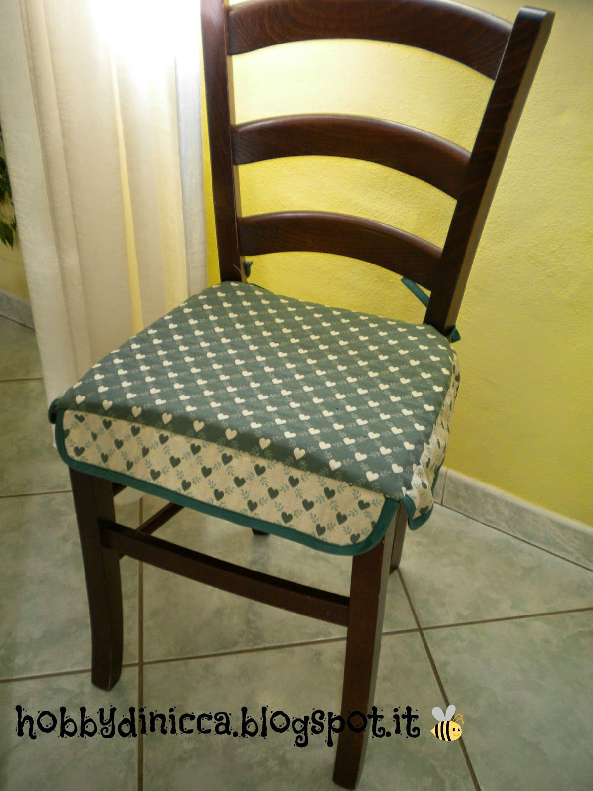 Hobby di nicca cuscino per sedie tutorial hobby for Cucina giocattolo fai da te