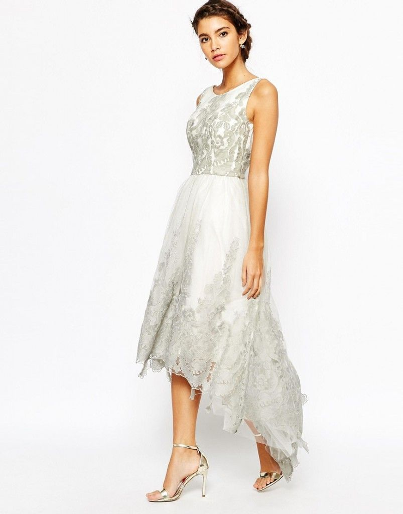 Y si no quiero ir vestida de blanco a mi boda offduty bodas shop chi chi london premium embroidered high low prom dress at asos ombrellifo Image collections