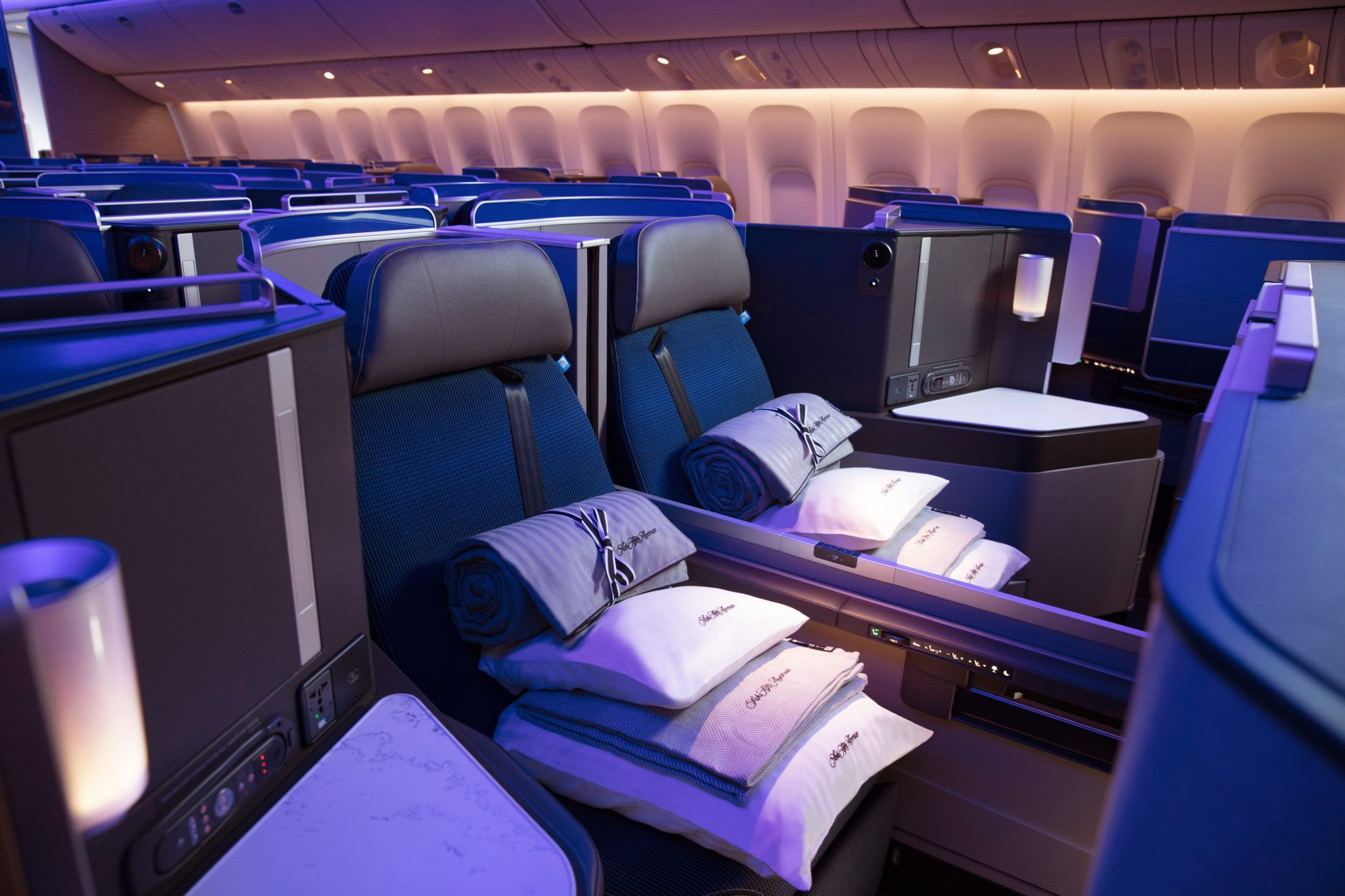 How To Upgrade To Business First Class On United 2020 United Airlines Business Class Airlines