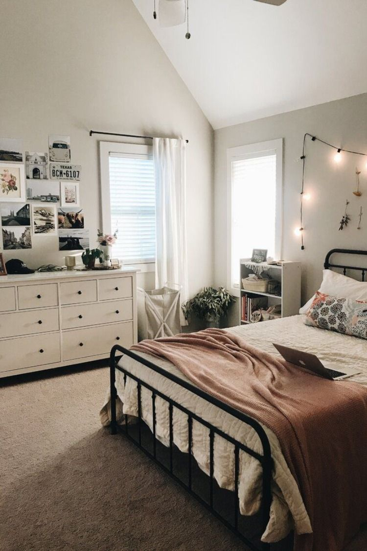 Bedroom layout ideas for small rooms #roominspo