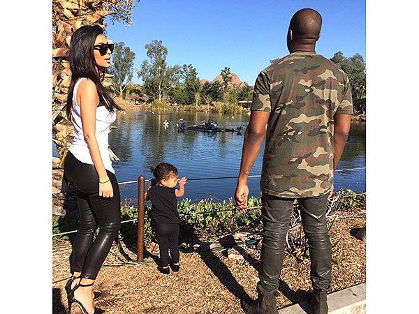 Kim Kanye And North At The Zoo Kim Kardashian And Kanye Kim Kardashian Kanye West Kim Kardashian Style