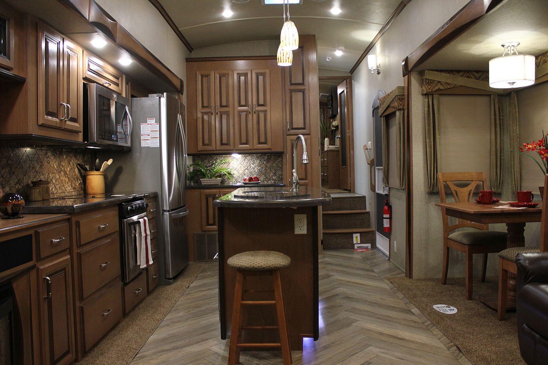 5th wheel master bedroom  Forest River th Wheeler Cedar Creek Hathaway Interior  Road