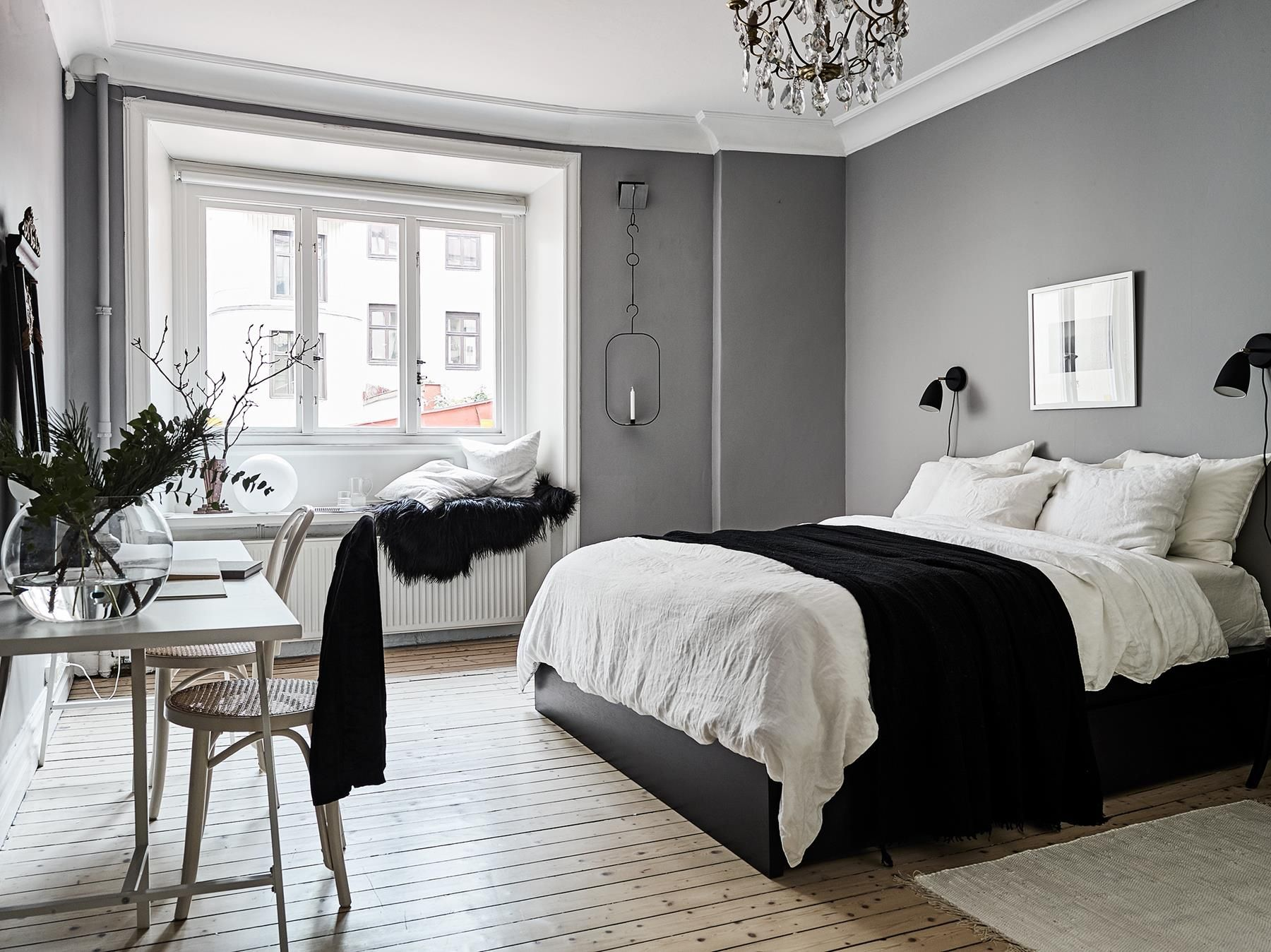 Piso De 90 Metros Decorado En Blanco Y Negro En Suecia El  # Muebles Renovar Jamundi