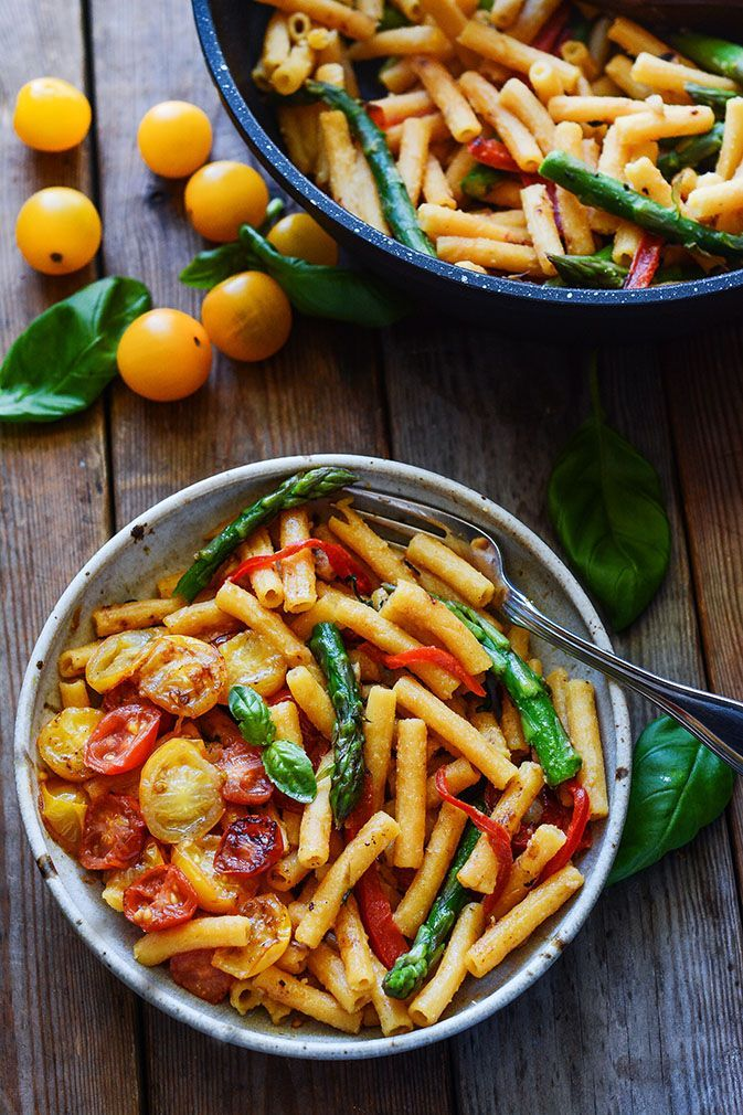 20 Minute Pasta With Asparagus Bell Pepper And Tomatoes