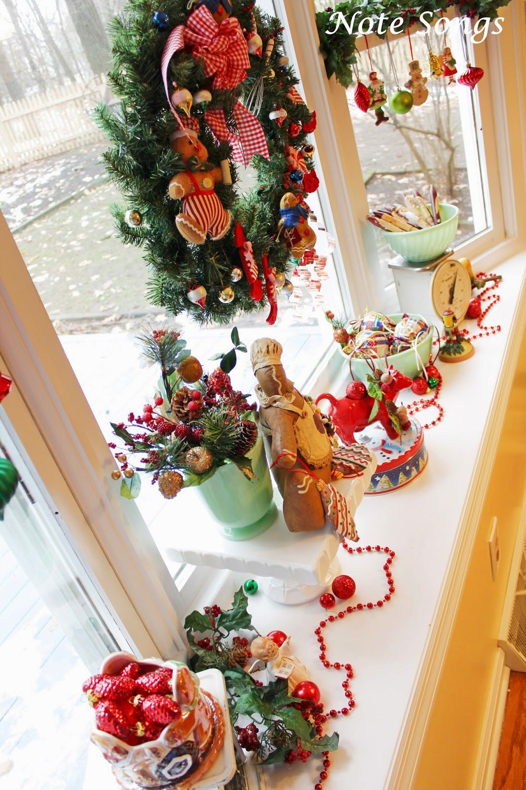 Christmasing on the Window Sill | Christmas decorations ...