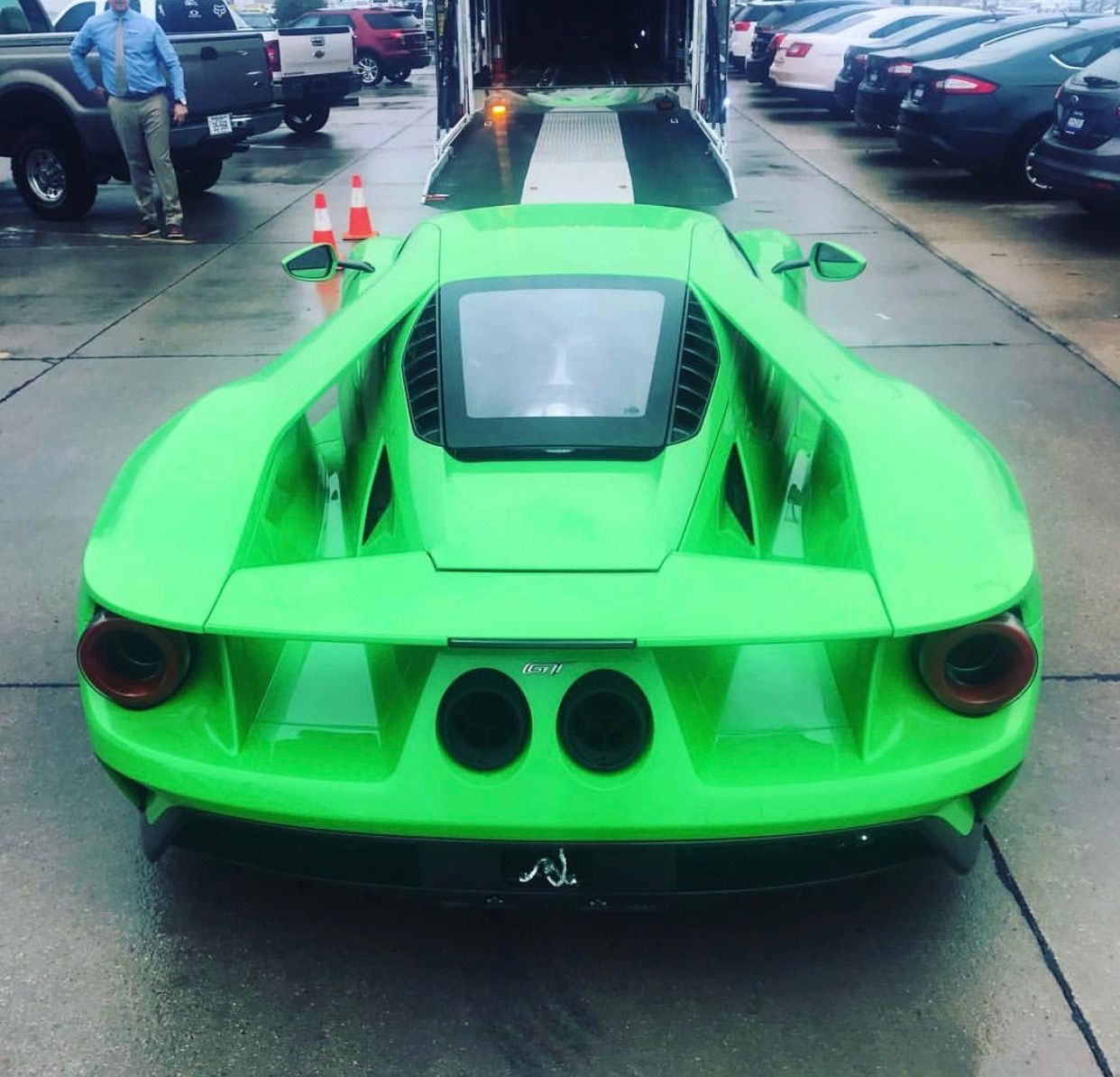 Ford Gt Painted In The Lamborghini Color Verde Mantis Photo Taken By Jpnshelbiscars On