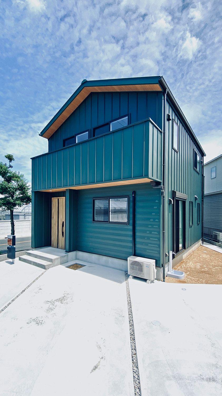 オンリーワンの家づくり 提案型 建売住宅 印象的なモスグリーンのガルバをまとったコンパクトなのに収納たっぷりの機能的な家 太陽住宅のフォトギャラリー ガルバ 住宅 外観 外観 住宅 モダン
