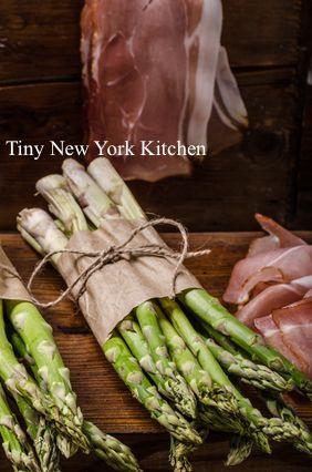 http://www.tinynewyorkkitchen.com/recipe-items/prosciutto-wrapped-asparagus/