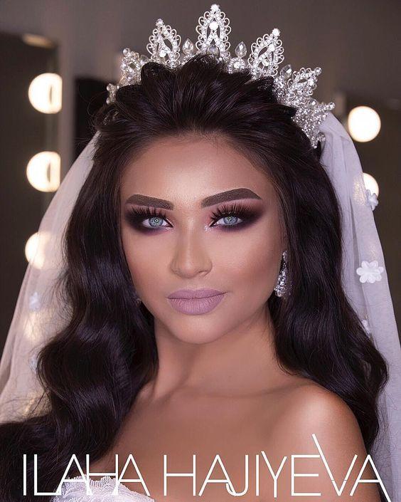 Maquiagem em tom lilás para noiva