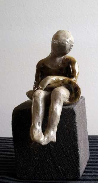 Kunstsamlingen | Artist: Grete Ryberg Høgh | Title: Litle girl | Height: 12cm,  Width: 6cm | Find it at kunstsamlingen.dk