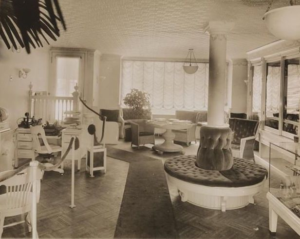 Beauty Parlor Madam C J Walker S House Pics The Interior Of 1915