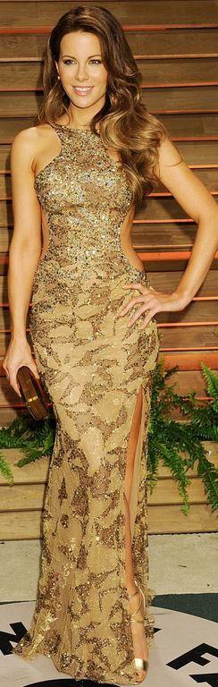 Kate Beckinsale: Dress – Elie Saab  Shoes – Brian Atwood  Purse – Rauwolf  Jewelry – H. Stern