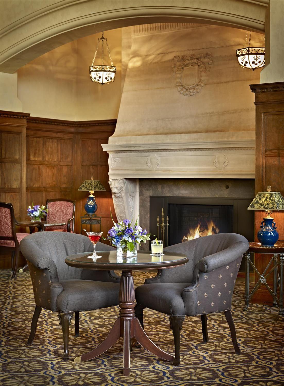 2d36c01be07d Lobby   bar   Fairmont Hotel Macdonald  Canada