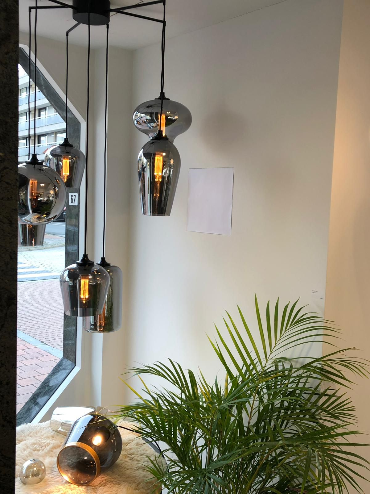 The Eve Bulbs And Eve Icons In Metallic Smoke Huis Eetkamer