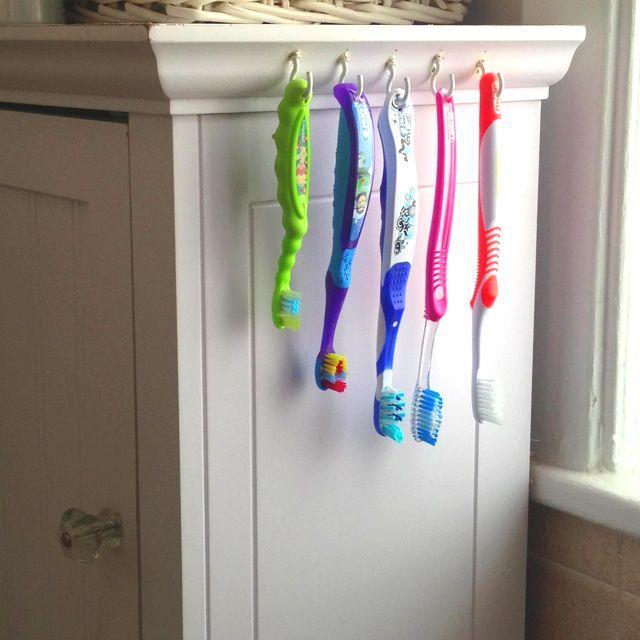 Pin By Katrina Beights On I M Pintastic Diy Toothbrush Holder Diy Toothbrush Bathroom Organization Diy