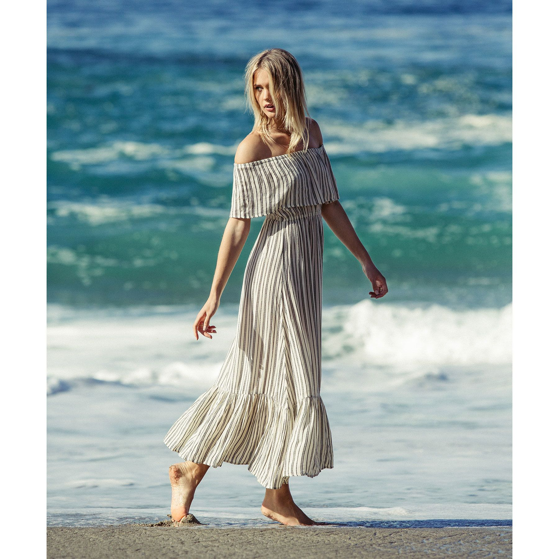 Get Free Shipping At The Billabong Online Store Show Off Summer Tan Lines In This Effortless Strapless Maxi Dress Dresses Girls Dresses Strapless Maxi Dress [ 1800 x 1800 Pixel ]