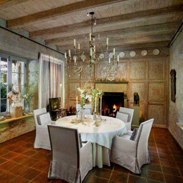 John Saladino Dining (sbdgs.com)