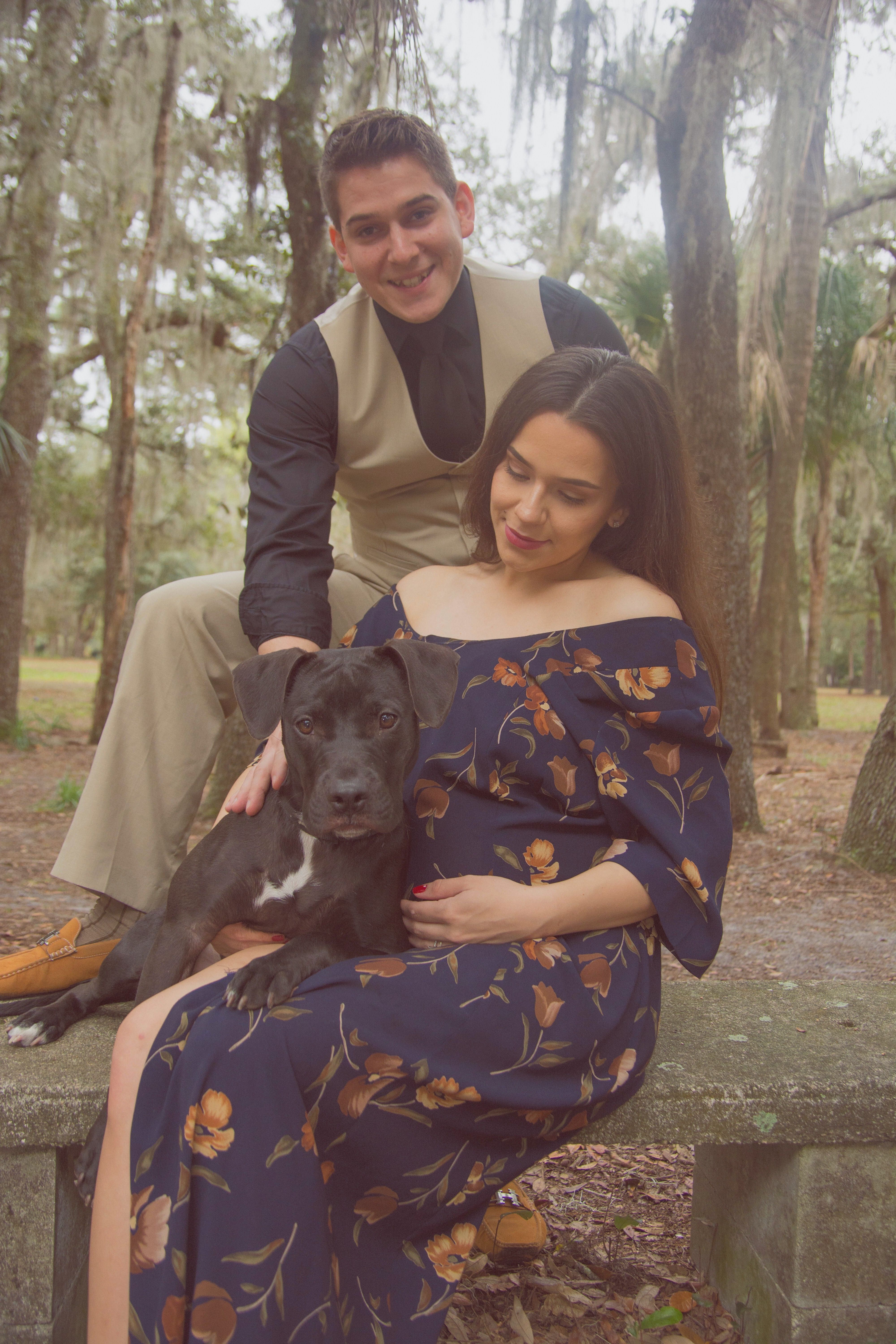 Maternity Outdoor shoot with puppy.