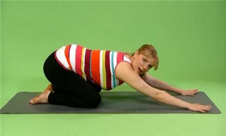 prenatal yoga childs pose  prenatal yoga poses prenatal