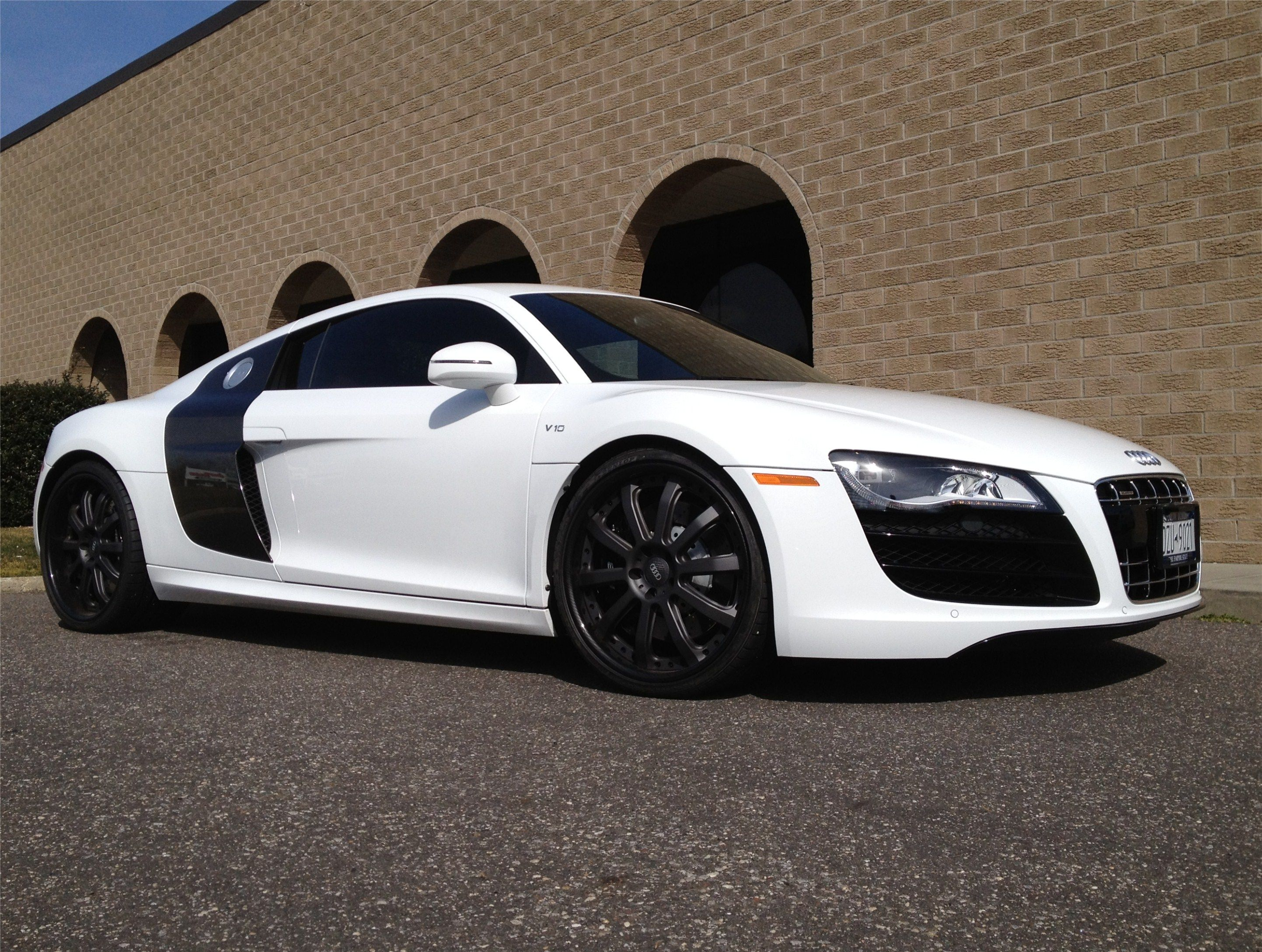 2006 White Audi R8 with Black DUB X18 Palazzo Wheels ...