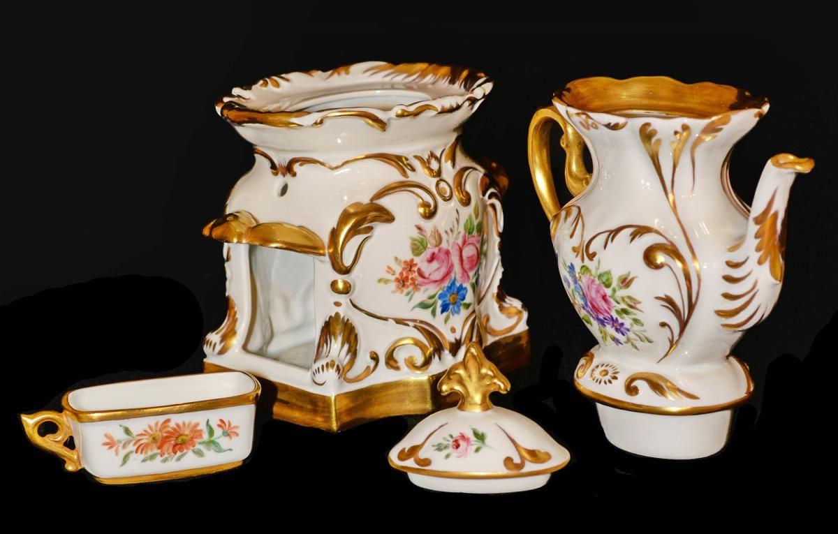 Tisaniere defaite avec toutes les pieces qui la complete 1830