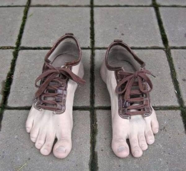 Último modelo de zapatillas #humor #chistes #risa #memes