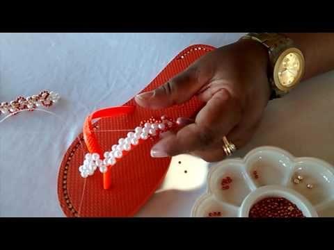 Chinelo de perólas Trama Serpente laranja.Chine Chic