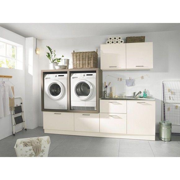 Moderní+kuchyňský+blok+s+nábytkem+s+dekorační+fólií+v+barvě+magnólie