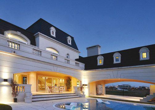A r arquitectos estilo cl sico franc s casa estilo y for Casas estilo frances clasico