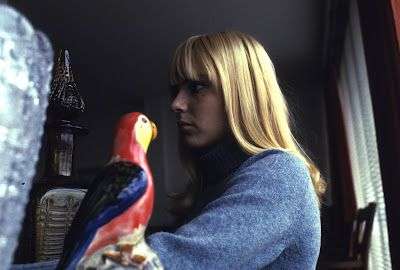 france gall and a parott