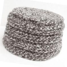 7c55cfc21ff8d Pillbox Hat - free pattern   Knitting   Loom knit hat, Crochet hats ...