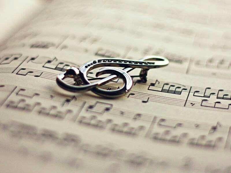 Музика – єдина всесвітня мова, її не треба перекладати, на ній душа говорить з душею. © Бертольд Ауербах