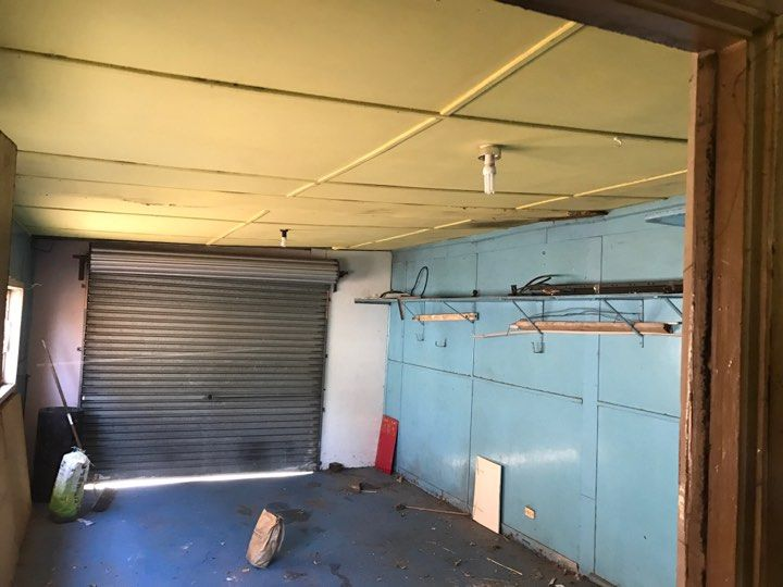 Asbestos Removal And Asbestos Disposal Project Melbourne Northern Suburbs Northcote Asbestos Garage Ro Garage Roof Asbestos Removal Ceiling Lights