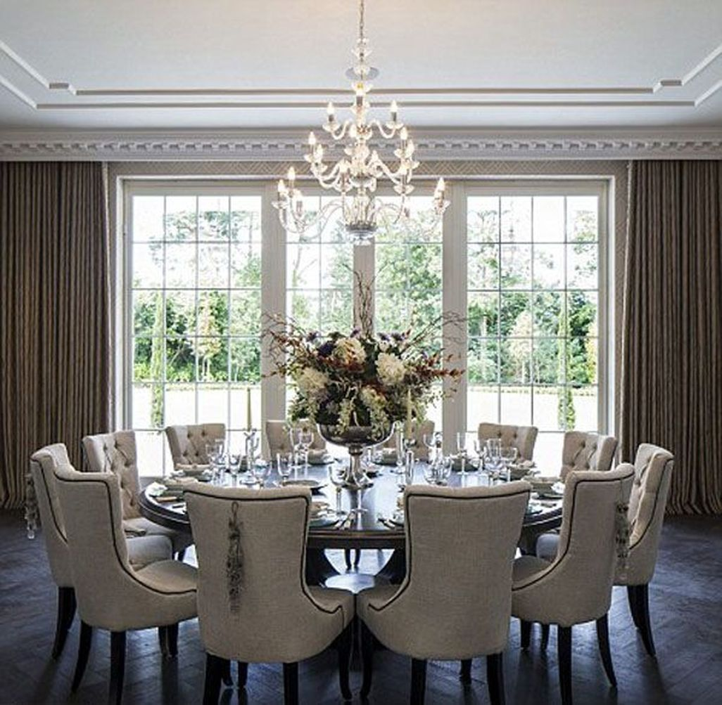 29 Adorable Family Dining Room Decorating Ideas - ZYHOMY  Round